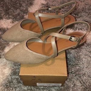 Women's flats - Size 8 - never worn